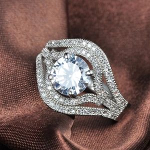 Gorgeous Luxury Crystal Ring. S8